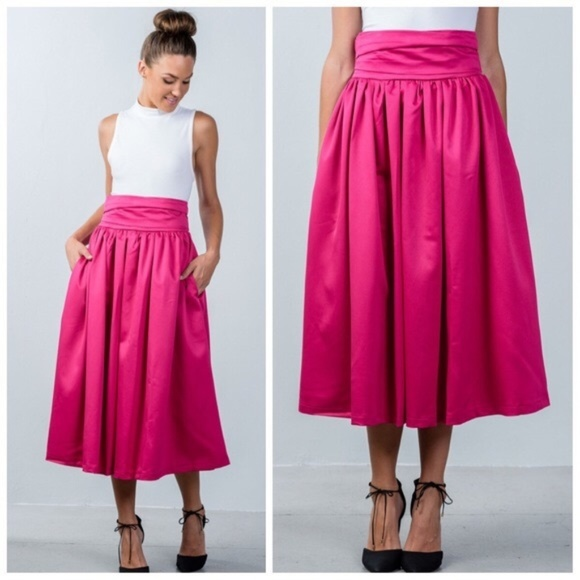 provide plenty of look for new arrive ONE LEFT! Fuchsia Maxi Skirt with Pockets Boutique